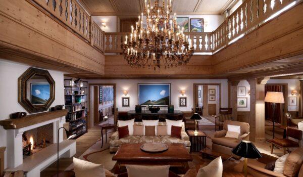 a covAurelio Chalet living room