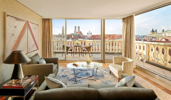 a munich-suite-panoramic-suite-living-room